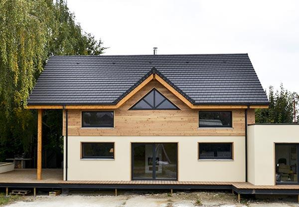maison bois isolée en blocs de chanvre
